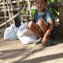 ATCは、支援が行き届かないネグロス島北部の台風ヨランダ被災者に、救援物資を届けました(第7報)。