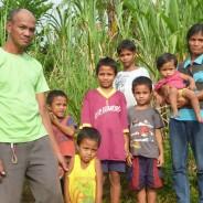 8人の子供たちにしっかりとした教育を受けさせることが目標です。ウィリアム・ペニダさん(西ネグロス州パンダノン)【221号】
