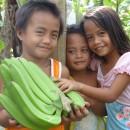 畑で遊ぶ子どもたちから見えたバランゴンの意味