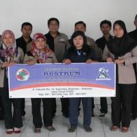 カカオ民衆交易をつなぐROSTRUMメンバー  From インドネシア