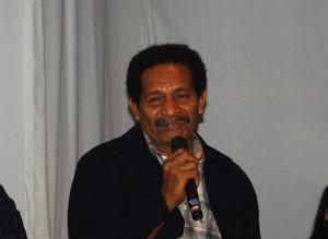 パプア現地の状況を伝えるパプア農村発展財団(YPMD)代表のデッキー・ルマロペンさん
