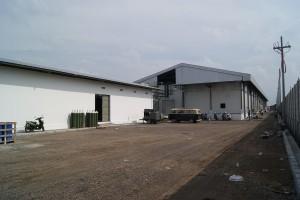 ATINA新工場加工棟(右)