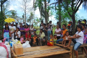バラサン町サルヴァション村の人々
