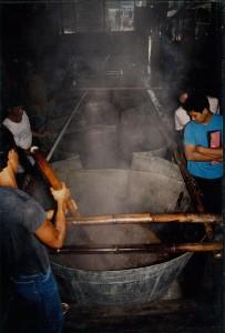 1993年に新工場が建てられ、壁や窓が整備されました。