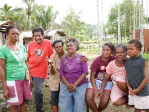 デッキーとブラップ村の女性たち